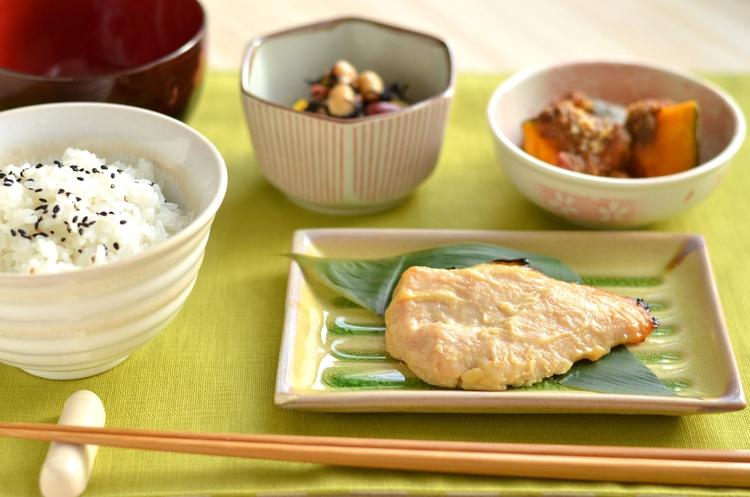 和食が多く、夜はお野菜を多め