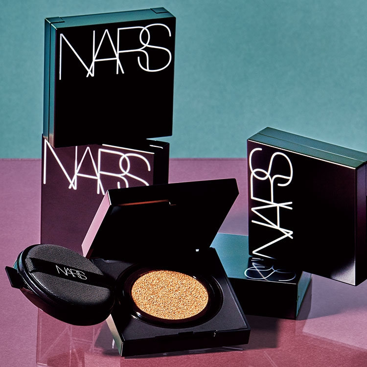 NARS ナチュラルラディアント ロングウェア クッションファンデーション SPF50/PA+++