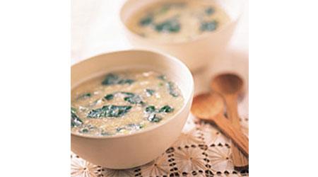 はすとほうれん草のかき卵スープ