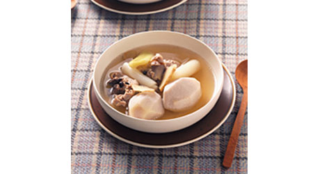 さといもと長ねぎのしょうが風味スープ